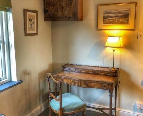 Harpers-Cottage-Desk