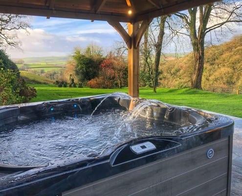 Harpers-Cottage-Hot-Tub3